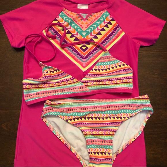 Tiki Beach Other - TIKI BEACH 2pc Swim Suit w/ Swim Shirt